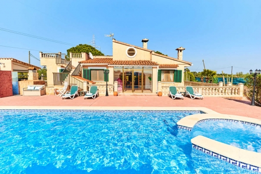 Finca with jacuzzi in Sencelles.